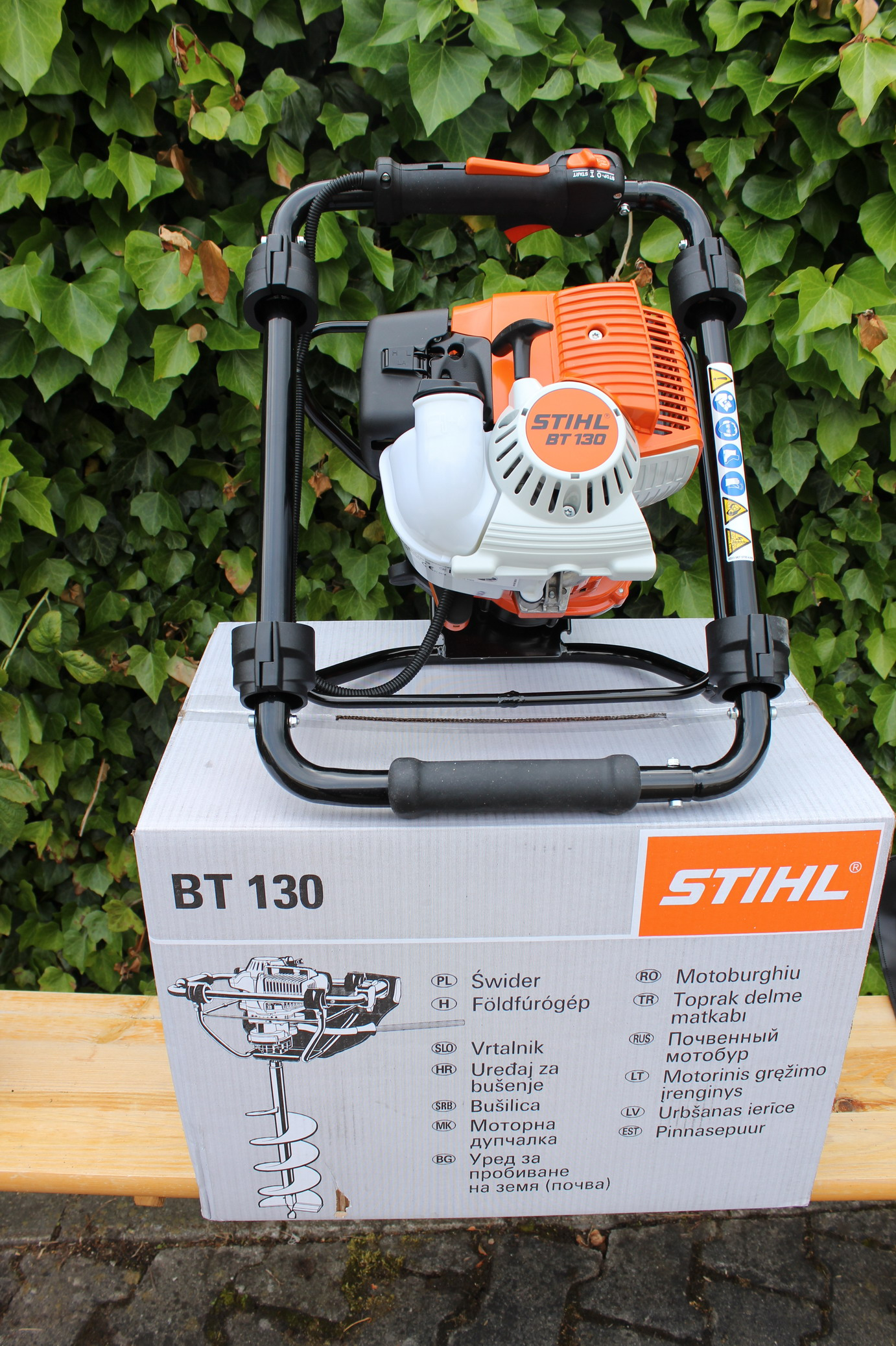 stihl bt 130 erdbohrger t neu bohrger t erdbohrer pfahlbohrer einmann bohrger t ebay. Black Bedroom Furniture Sets. Home Design Ideas